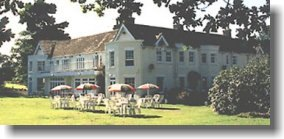 Tyrrells Ford Country Inn Hotel set in 10 acres of peaceful grounds